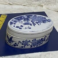Williamsburg Delft Royal Goedewaagen Holland Pottery Oval Trinket Box 6in x 4in
