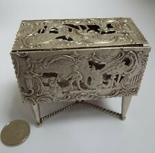 STUNNING V RARE ENGLISH ANTIQUE 1900 SOLID SILVER NOVELTY TABLE VINAIGRETTE BOX