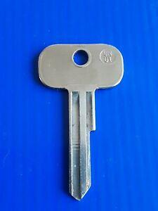 Classic Car  Key Hillman Chrysler Talbot Rootes  RM / RL Key Cut To Code Long