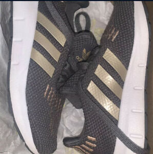 Kids Adidas Swift Run Gray & Gold Toddler 10K Athletic Shoes Unisex - MUST SEE!