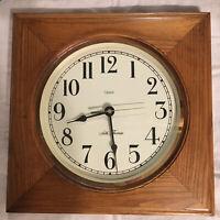 """Vintage Seth Thomas Quartz Hanging Wall Clock 1981 Wood Framed 12""""x12"""" Square"""
