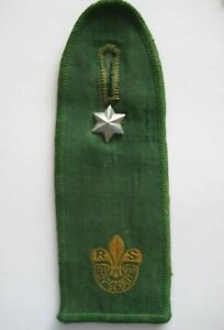 Rover Scout Green Felt Epaulet with 1 star & 7 year Service Star