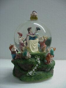 Disney Snow White Snow Globe plays Some Day My Prince Will Come
