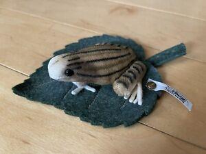Steiff Limited Edition Frog on Felt Leaf Pincushion