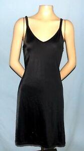 Timeless Vanity Fair Basic Black Full Slip Size 38 (Medium)
