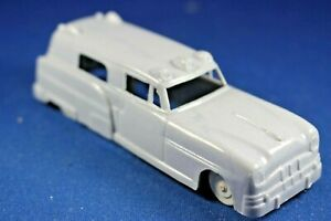 Plasticville - O-O27 - 1 Gray Vehicle - Ambulance - Excellent+++