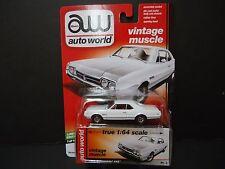 Auto World Oldsmobile 442 1966 White 1/64 64042C