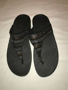 FitFlop Strobe Sandal Luxe-Toe Thong  Black/Gold/Silver Crystals 9 Euro 41
