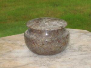 Pretty vintage Cornish serpentine pot with lid