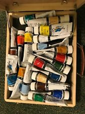 Acrylic Colours 18 pieces With Wooden Case