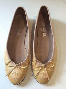 CHANEL Beige patent leather ballerina flats 36.5