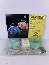 Thomas Boutiques Soap Ornament Kit Sweet Blossom Ready to make