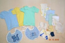 LOT OF 18 PIECES VINTAGE BABY CLOTHES, SOCKS, WASH CLOTHS, BIBS