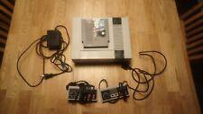 Nintendo Entertainment System - NES - mit 2 Controller und 1 Spiel!