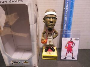 2003 UPPER DECK LEBRON JAMES ROOKIE CARD & BOBBLEHEAD CLEVELAND CAVALIERS