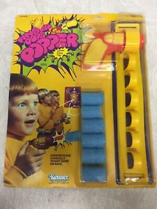 Vintage 1970s Kenner Finger Popper Toy Gun NIP
