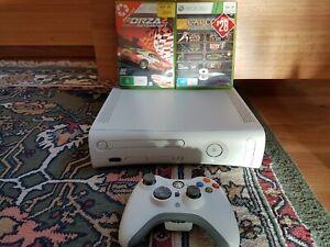 Xbox 360 Console + 2 Games