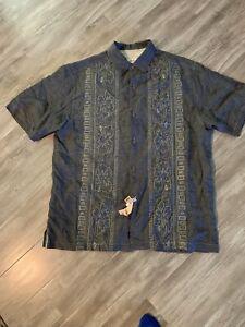 Mens Size Large Tommy Bahama Original Fit Shirt