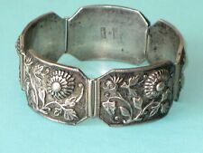 VTG CHINESE EXPORT SILVER REPOUSSE CHRYSANTHEMUMS FLOWER LINK PANEL BRACELET