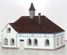 Hornby H0 HC8051 Dorfschule Detailliertes Fertigmodell Neu 8051