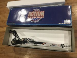 Mike Dunn Team Mopar 1:24 Scale Top Fuel Dragster
