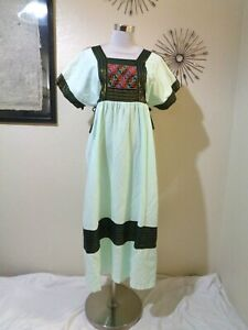 VINTAGE MADE IN THAILAND MINT COTTON RIBBON & EMBROIDERY TRIM CAFTAN SZ S