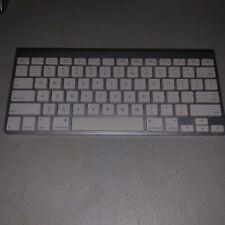 Genuine Apple Wireless Bluetooth Keyboard A1255 (silver/white)