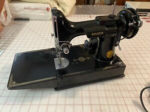 vintage singer featherweight 221 sewing machine 1948 With Accessories