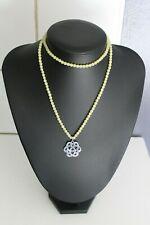 collier en perles de jade? est pendentif argent RITA & ZIA