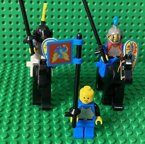 Vintage Lego Castle 6086/6085  Horses Knights Shields Flag
