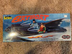 BATMAN BATBOAT PLASTIC MODEL KIT #6906 BY POLAR LIGHTS