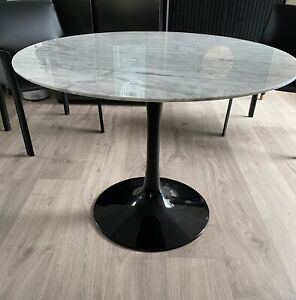 Tulip Round Marble Dining Table
