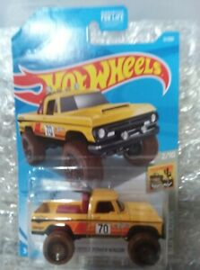 Hot Wheels - Baja Blazers yellow '70 Dodge Power Wagon pickup - 1/64th diecast