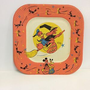 "1952 Walt Disney ""Donald Duck & Witch Hazel""trick or treat Halloween paper plate"