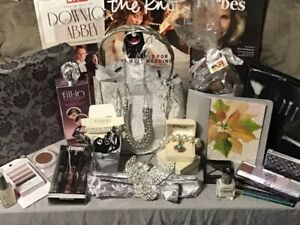 1 STOP SHOP GIFT BASKET FOR THAT SPECIAL MOM ~ MOTHER'S DAY CARD INCLUDED!!!