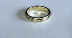 FABULOUS BI COLOUR GOLD & DIAMOND BAND RING
