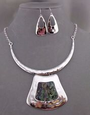 Silver Hammered Metal With Abalone Shell Necklace Set Fashion Jewelry NEW