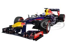 RED BULL RENAULT F1 RB9 VETTEL BRAZIL 2013 WINNER LTD 1/18 MINICHAMPS 110130101