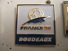 RARE OLD 1998 FRANCE FOOTBALL WORLD CUP BORDEAUX SQUARE METAL PRESS PIN BADGE