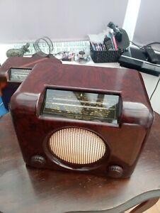 BUSH DAC90A RESTORED vintage Bakelite Valve Radio in excellent condition