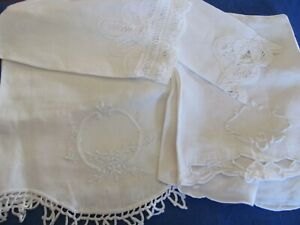 Vintage Lot of 4 Guest Hand Towels - Huck Linen - Battenberg - Embroidery
