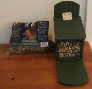 Eichhörnchen-Futterautomat inkl. Futter