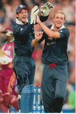 Inglaterra mano firmado James Foster 6x4 Foto Cricket.