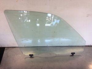 97 98 99 00 01 Honda CRV Right Front Door Glass Window Used OEM