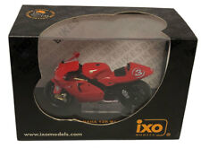 IXO Yamaha YZR-M1 #3 2002 - Max Biaggi 1/24 Scale