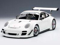 AUTOart Porsche 911 (997) GT3R 2010 White 1:18 (81070)