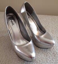 "Women's High Heels Qupid Silver Platform Pumps 4"" Heels Size 8.5"