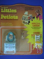 VINTAGE 1980 MATTEL THE LITTLES FRENCH VERSION DRESSER & LAMP BONUS PACK + CHAIR