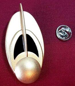 Star Trek Deep Space Nine Bajoran Communicator Combadge