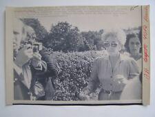 Vintage Wire Press Photo 8/12/84 Elizabeth Taylor in Switzerland Richard Burton